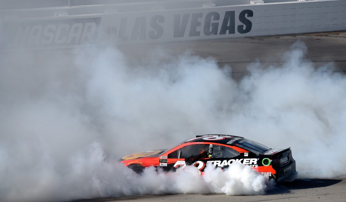 Late race rally and tempers rise at Las Vegas Motor Speedway