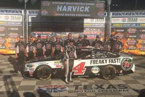 Kevin Harvick and #4 Jimmy Johns team stand in Victory Lane after Qualifying
